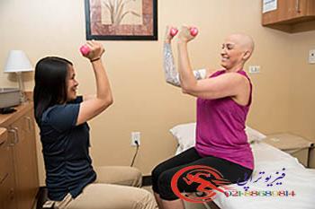 کمک درمان بیمار مبتلا به تومور در فیزیوتراپی سرطان